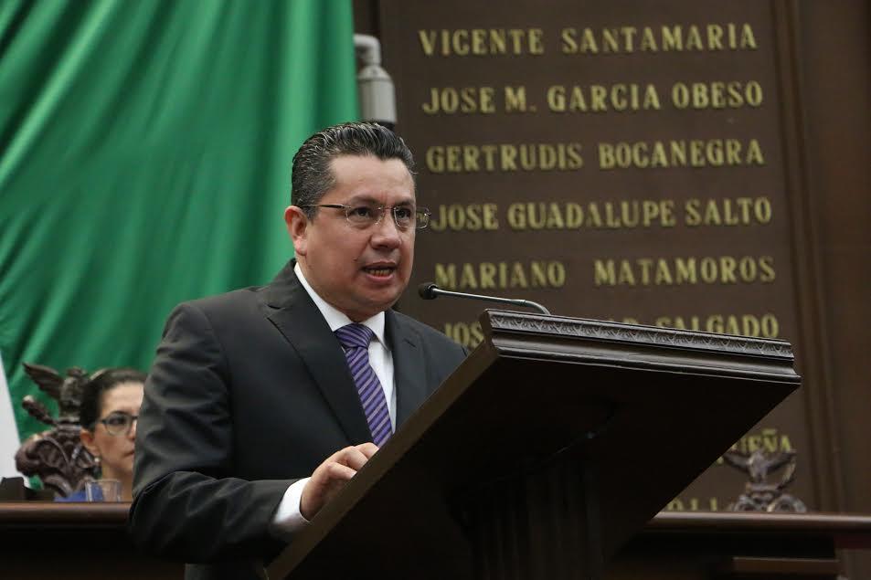 """García Chavira exhortó a las autoridades federales a """"ponerse en los zapatos de los productores michoacanos"""""""