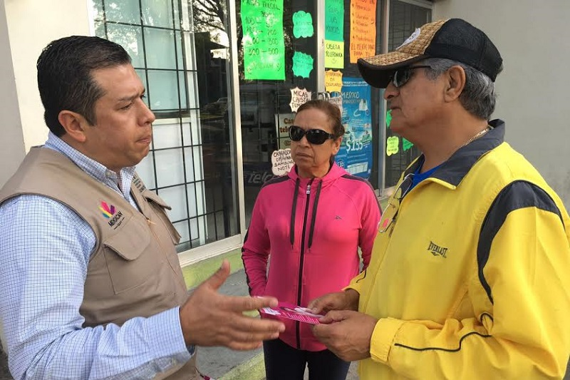 Juan Carlos Barragán también visitó los municipios de Paracho y Nahuatzen en donde invitó a la población a inscribirse a los cursos de capacitación que se ofertan en la región