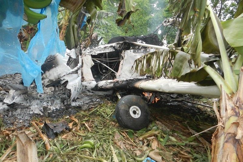 El piloto responde al nombre de Carlos Nevarez de la Cruz; fue trasladado al Hospital General de Coahuayana (FOTO: ARCHIVO)