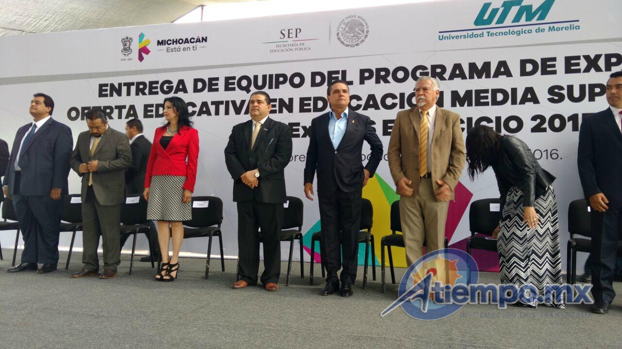 Aureoles Conejo anunció la construcción de una nueva institución de educación superior que atienda la demanda en otras regiones de la entidad (FOTO: FRANCISCO ALBERTO SOTOMAYOR).