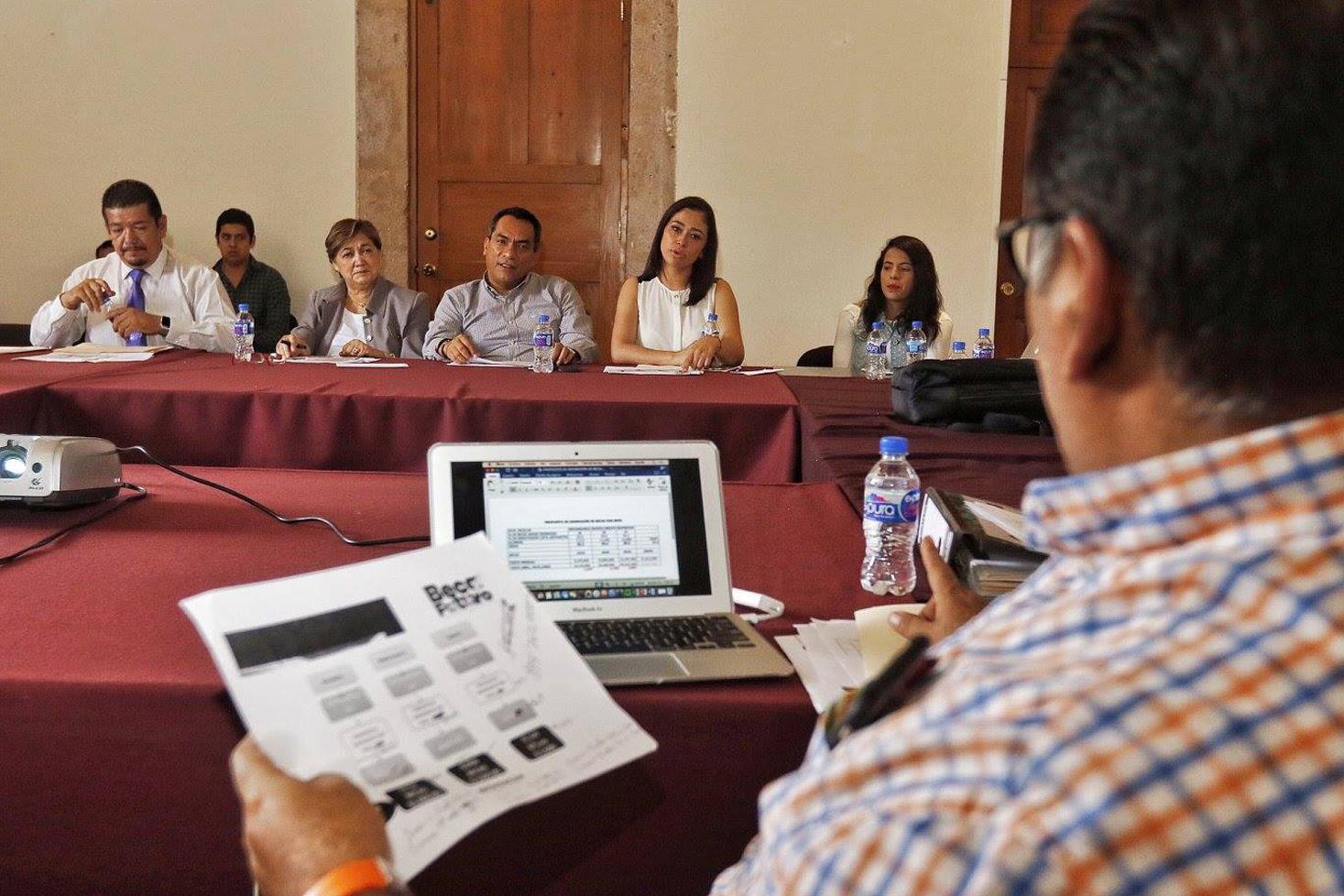 Los jóvenes que participaron en la convocatoria, pueden consultar desde este lunes los resultados en el portal www.becafuturo.mx para validar si es que cumplieron los requisitos para ser seleccionados