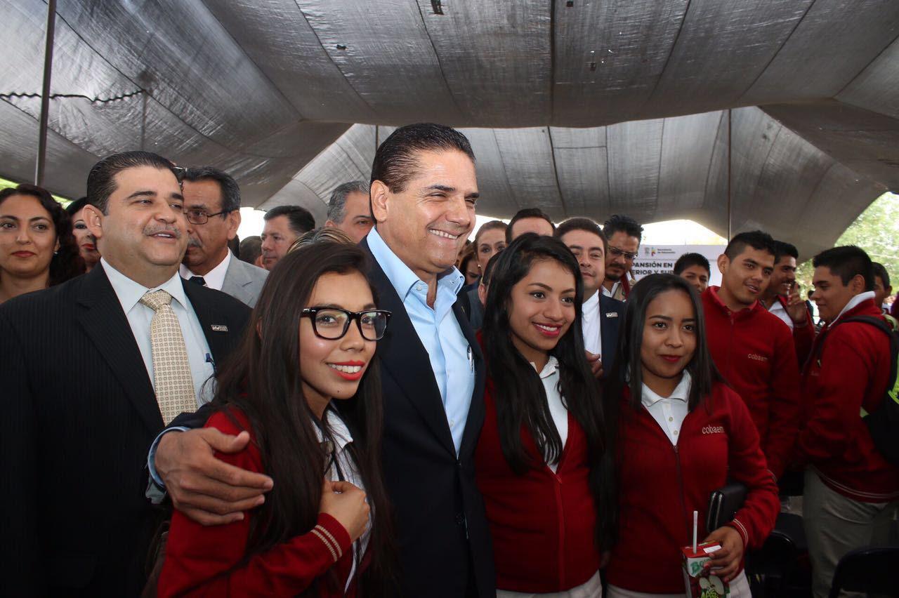 Aureoles Conejo anunció la construcción de una nueva institución de educación superior que atienda la demanda en otras regiones de la entidad