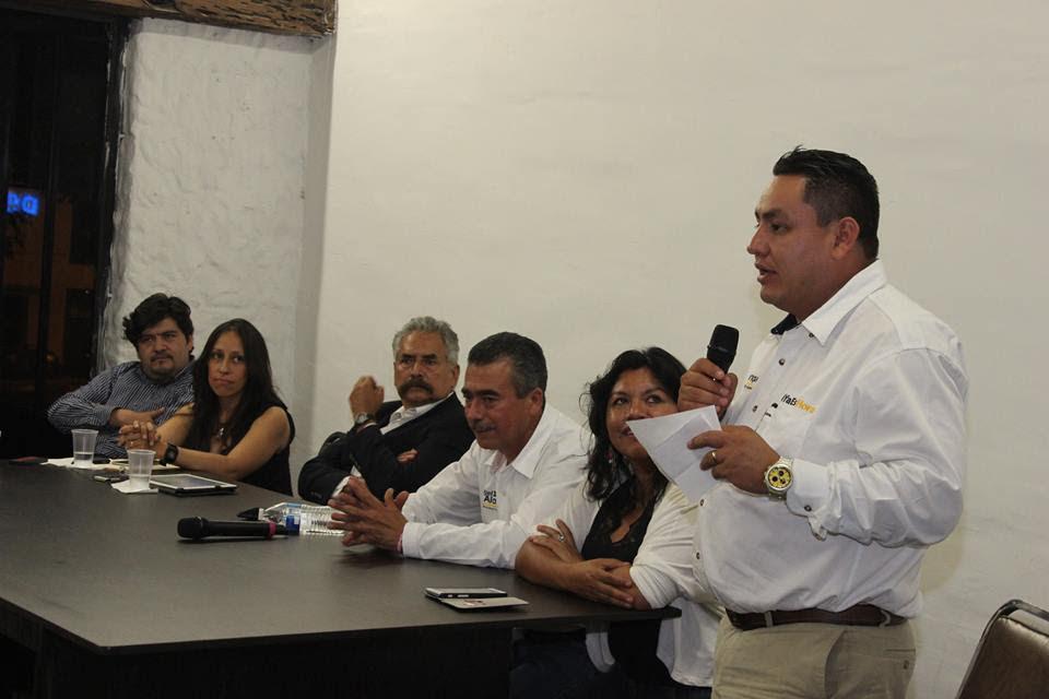 El munícipe de Uruapan lamentó los hechos de violencia de que fue objeto el edil de Aquila, de extracción perredista, al señalar que son acciones que lastiman a las instituciones y en general a la sociedad michoacana