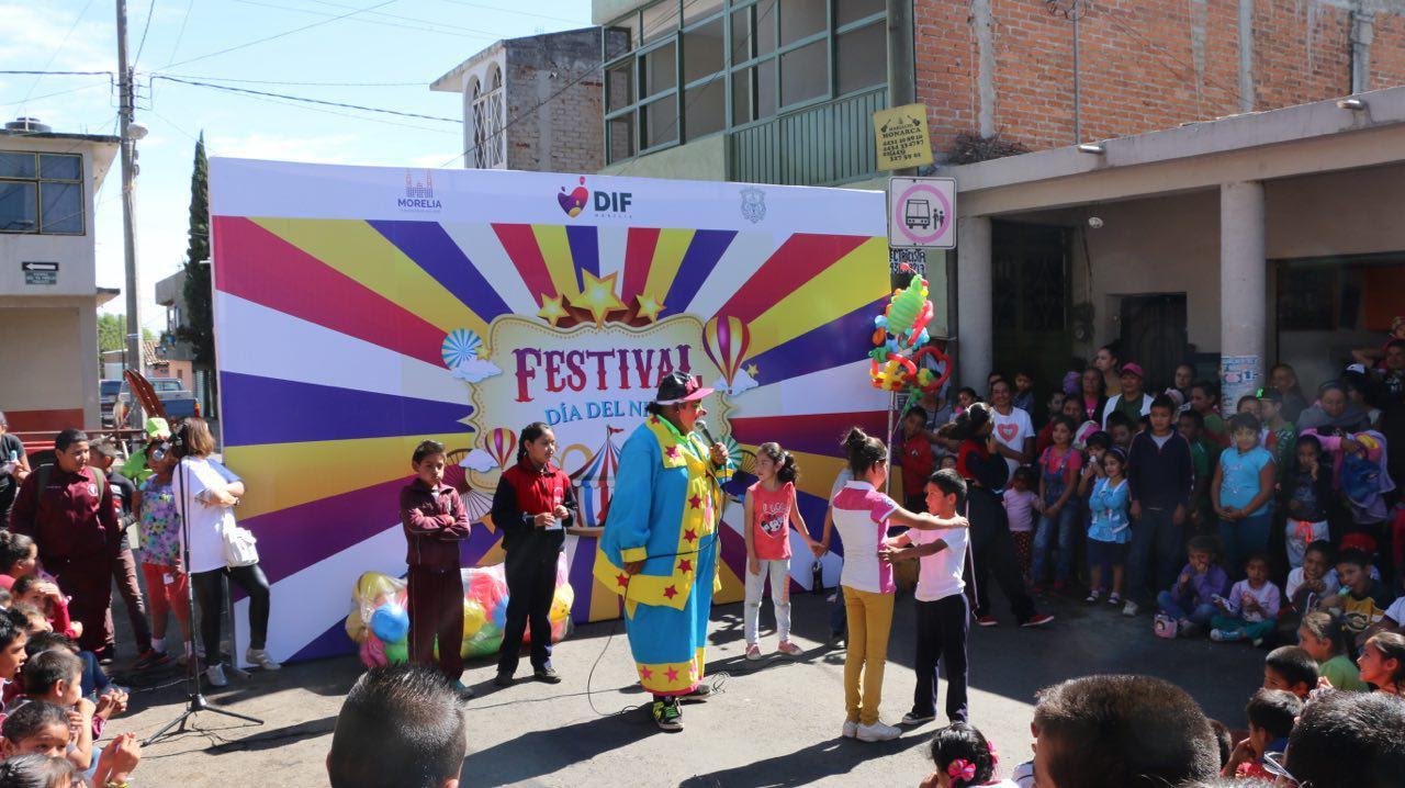 A través del DIF Morelia, la jornada de actividades comenzó en la plaza principal de Santiago Undameo y en la organización participaron la Secretaría de Servicios Públicos Municipales y la regidora María Elisa Garrido
