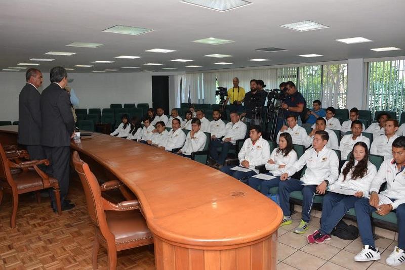 Anuncia el rector Medardo Serna que se tienen ya los proyectos que incluyen a Lázaro Cárdenas y  Uruapan