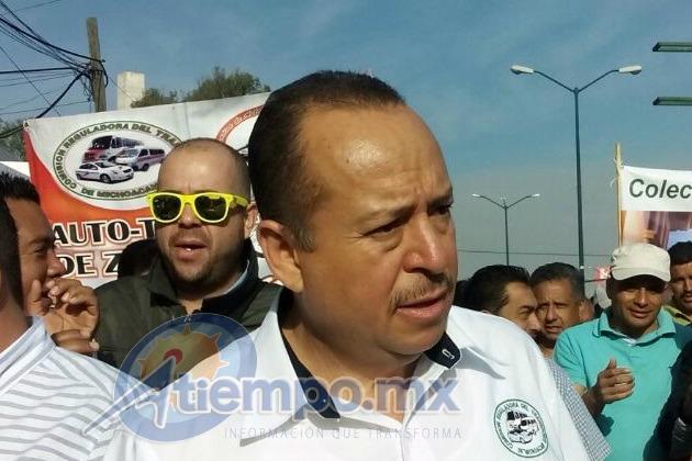 A unos días de salir libre del penal del Altiplano, donde estaba acusado por vínculos con la delincuencia organizada, Martínez Pasalagua señaló que no se integrará al PRI, ya que eso lo decidirá después (FOTO: MARIO REBO)