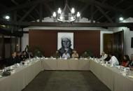 En esta reunión estuvieron presentes el secretario de Gobierno, Adrián López Solís; el secretario de Seguridad Pública, José Antonio Bernal Bustamante; y, el procurador general de Justicia, José Martín Godoy Castro, entre otros funcionarios