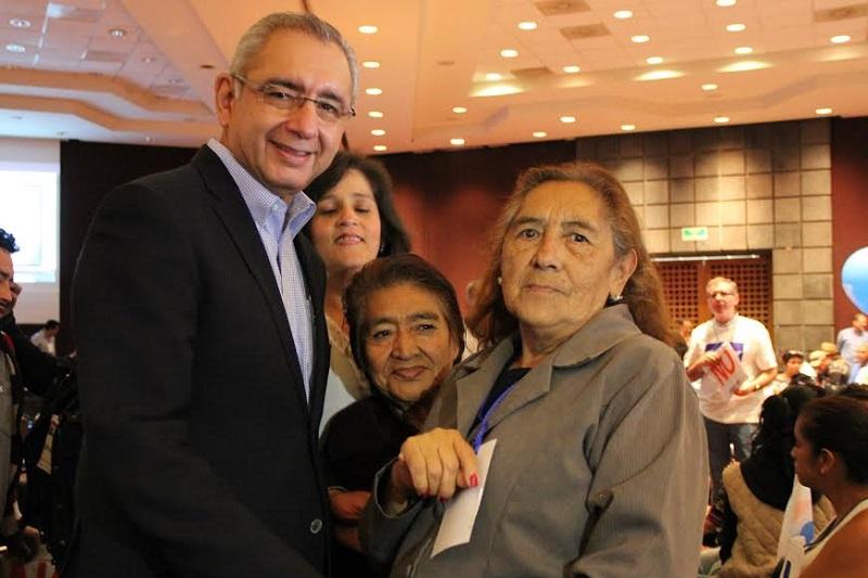 Vega Casillas destacó que de acuerdo con datos del INEGI, durante 2015, Michoacán se posicionó en el lugar 16 a nivel nacional en la tasa global de fecundidad con casi tres hijos por mujer
