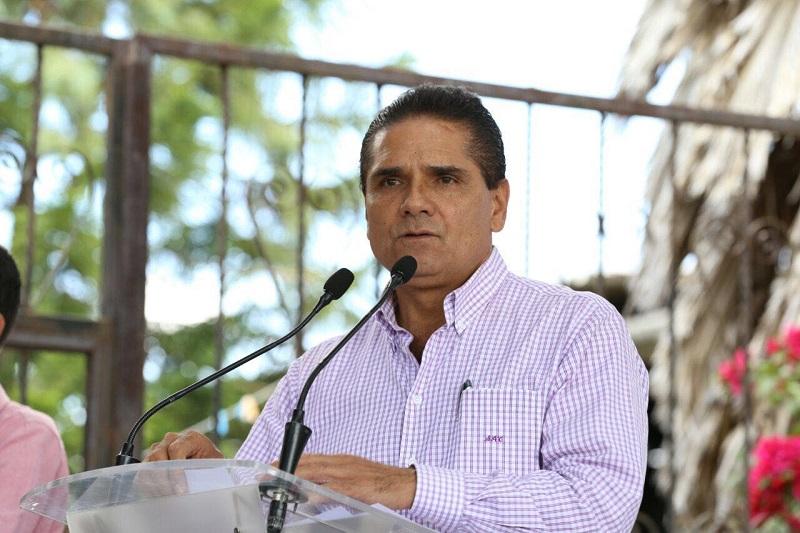 Aureoles Conejo destacó que muy pronto empresas se instalarán en esta zona de Michoacán y lamentó que en años anteriores los inversionistas hayan tomado la decisión de ubicarse en otro punto por la inseguridad