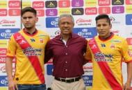 Ante la presencia de Roberto Hernández, vicepresidente deportivo de la institución Monarca, el delantero chileno Vegas se mostró contento por ser parte del cuadro michoacano y desde luego porque significa un paso importante dentro de su carrera deportiva
