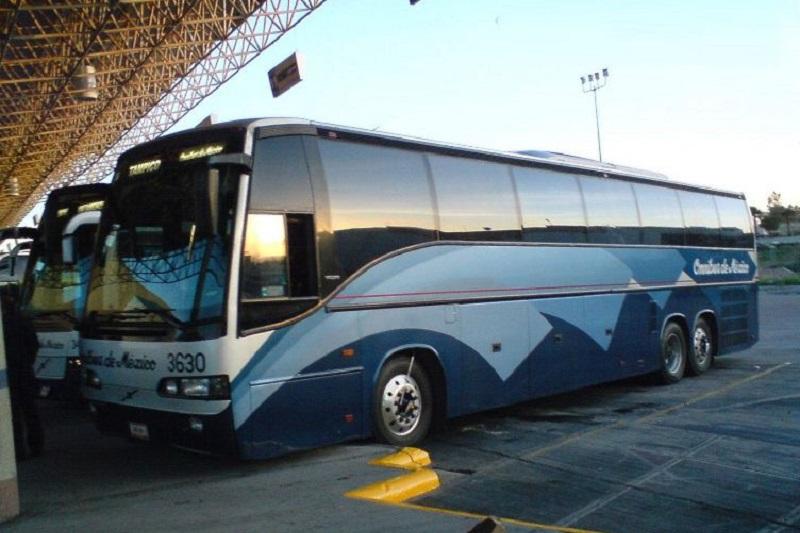 Las líneas de autobuses son de las empresas que más pérdidas sufren con las manifestaciones de la CNTE y los normalistas