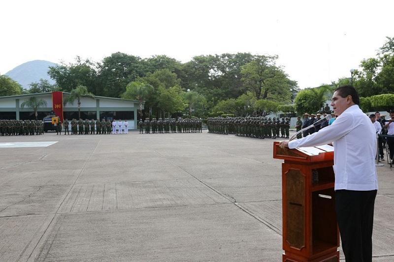 Silvano Aureoles expresó su agradecimiento y reconocimiento al general Luis Ricardo Díaz Palacios, por todo el respaldo y apoyo brindado a Michoacán y en particular a esta región de Apatzingán