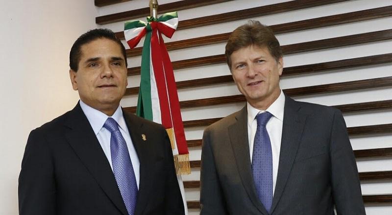 El mandatario estatal explicó al funcionario federal, que una de las líneas de acción de su gobierno es cambiar la imagen de Michoacán a nivel nacional y mundial