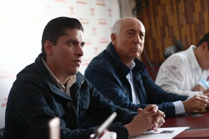 En Movimiento Ciudadano, dijo Paredes Andrade, estamos atentos y les acompañamos para que realicen el mejor de los trabajos en beneficio de la ciudadanía que representan en sus municipios