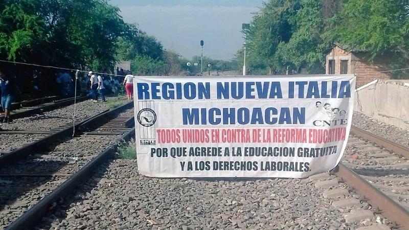 Con estas acciones se perjudicó principalmente el traslado de mercancías desde y hacia el Puerto de Lázaro Cárdenas