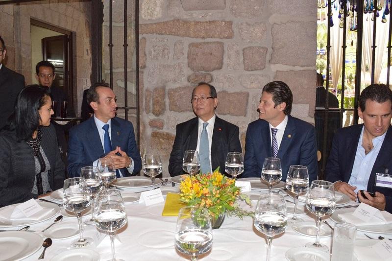 Soto Sánchez puntualizó que Michoacán está a la vanguardia y en constante desarrollo a fin de lograr la competitividad que le permita intervenir de manera activa en el ámbito comercial y de negocios a nivel mundial