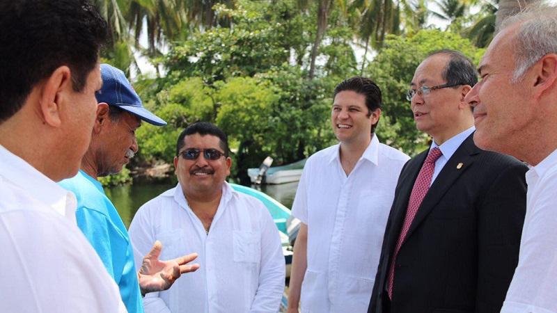Martínez Alcázar expresó su beneplácito por continuar fortaleciendo los lazos comerciales con la República China a través de las muestras de la riqueza cultural, económica y turística de los municipios de la región