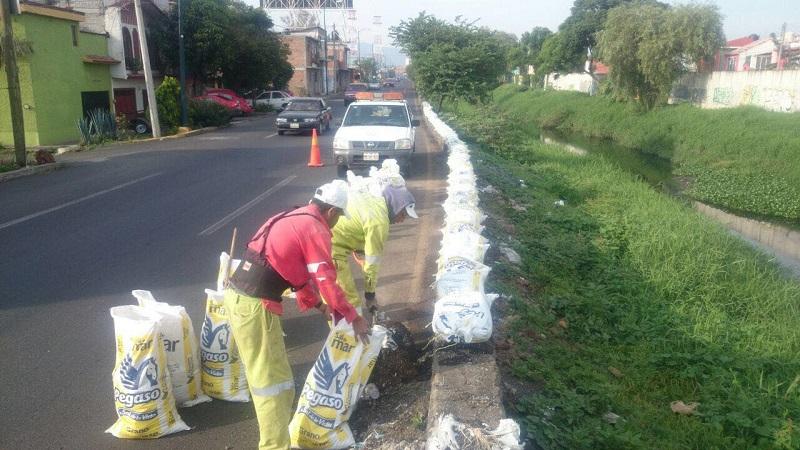 Se están llevando a cabo otro tipo de trabajos con la brigada interinstitucional, donde colaboran las direcciones de Residuos Sólidos y de Imagen Urbana, mismas que realizan la limpieza en los ríos
