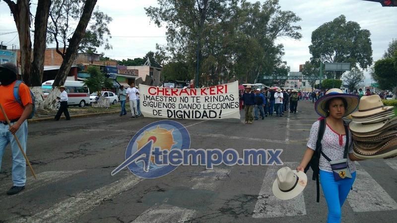 Se quejan de que hubo represión el día que ellos incendiaron tres camiones en San Juan Tumbio y un automotor más en las inmediaciones de Carapan (FOTOS: FRANCISCO ALBERTO SOTOMAYOR)