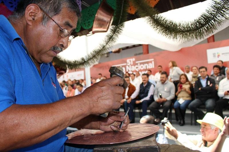 El titular de la SEMARNACC, Ricardo Luna García, estuvo presente en el evento inaugural de dicha feria, única en su tipo en el país