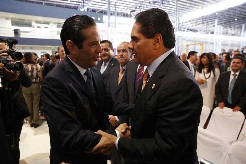 Aureoles Conejo saludó y felicitó al mandatario queretano por su labor al frente del Ejecutivo estatal en este primer año y mostró su disposición por continuar trabajando de manera conjunta