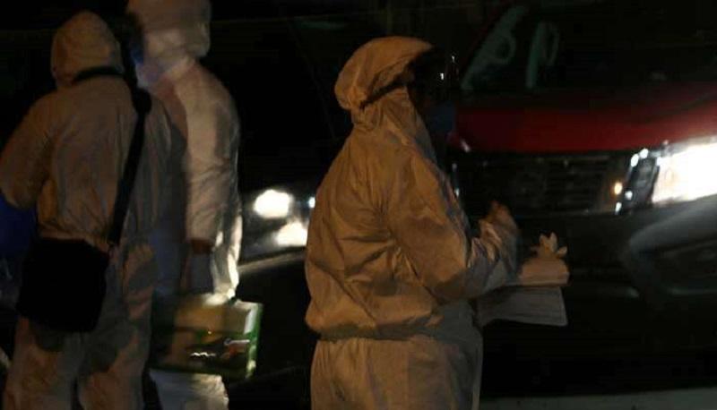 En Nueva Italia, municipio de Múgica, la Procuraduría estatal confirmó el hallazgo de dos extremidades cefálicas en un contenedor de plástico acompañadas de un mensaje, cuyo contenido no ha sido revelado