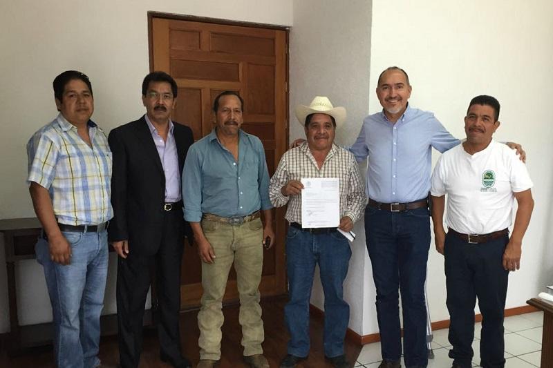 Los pobladores agradecieron la atención y solución del ingeniero Domínguez López a su petición, la cual le presentaron a principios del presente año