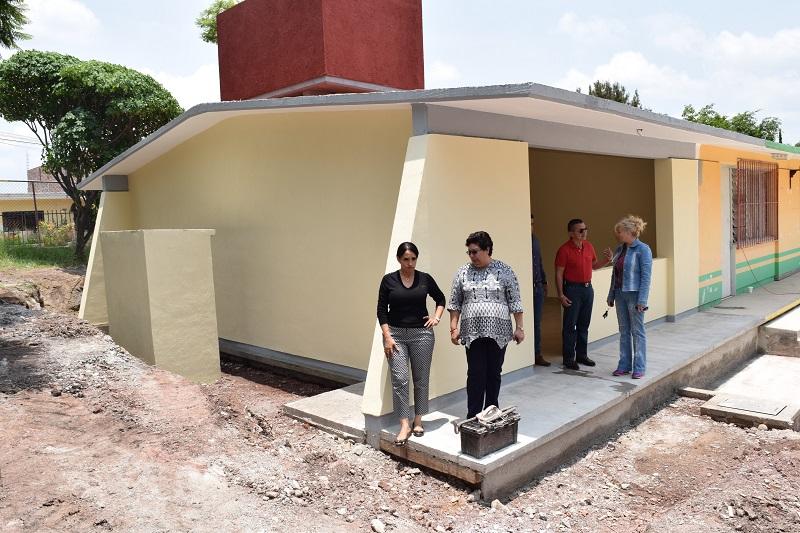 Fue colocada la primera piedra de un aula didáctica para el Telebachillerato de la localidad El Abadiano