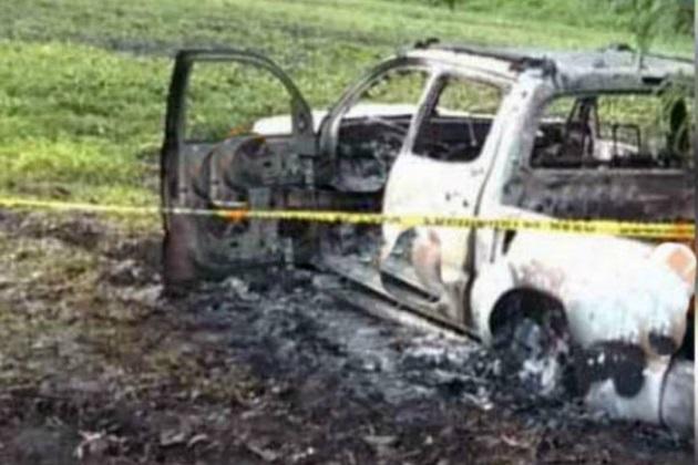 En el sitio se encontraron indicios de una supuesta toma clandestina de combustible, por lo que especialistas en servicios periciales realizaron inspecciones