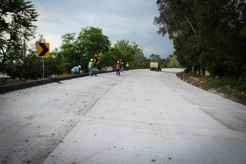 Mientras tanto, continúan los trabajos en los 540 metros lineales del sub-tramo situado entre las rúas Granada, que es la entrada al fraccionamiento Xangari, y La Vallisoletana, a un costado del complejo comercial de la zona