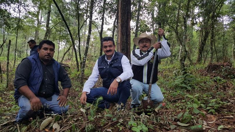 En el lugar, el titular de la SEMARNACC escuchó los planteamientos de trabajo que tiene la comunidad, quienes le solicitaron el apoyo para conservar el Área Natural Protegida (ANP), 'La Escalera'