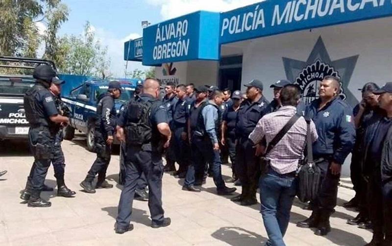 Estas medidas fueron tomadas luego de la detención del alcalde de ese lugar, Juan Carlos Arreygue, el subdirector de la Policía y tres agentes, realizada el pasado lunes
