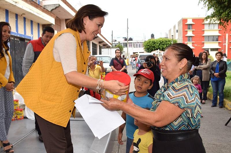 Beamonte Romero agregó que también se ha implementado el programa de becas y apoyos Avanza DIFerente, para menores de 16 años y personas mayores de 60 años que tienen una discapacidad