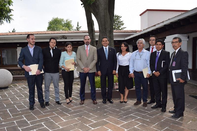 Díaz Chagolla destacó que el trabajo coordinado beneficia a las y los michoacanos con programas como Escuelas al CIEN, mediante el cual este año serán rehabilitados más de 900 planteles en la entidad