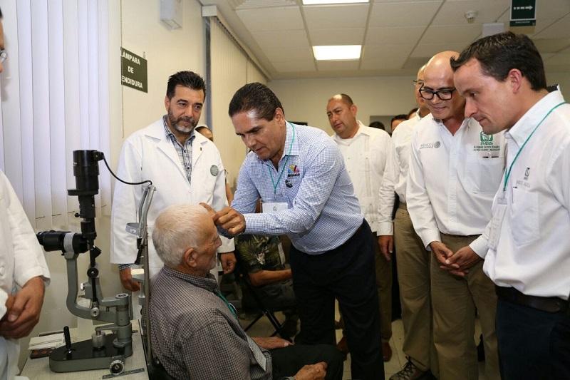 Silvano Aureoles reconoció el respaldo de la Federación a través del IMSS, que es una de las instituciones de seguridad social más importantes del país, y resaltó la participación de la delegación del Instituto en el estado