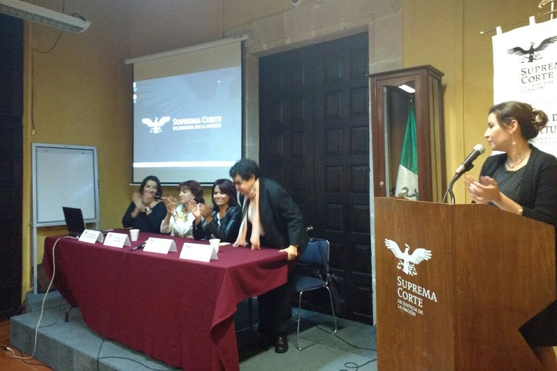 La titular de la SeiMujer, Fabiola Alanís Sámano, destacó que el Gobierno de Michoacán, atiende cabalmente cada una de las medidas establecidas en la AVGM
