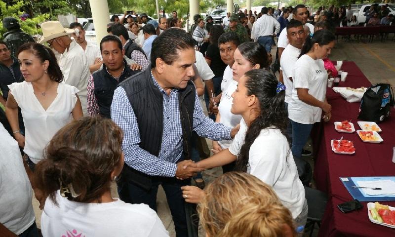 Aureoles Conejo entregó 100 mil pesos del Programa Empleo Temporal