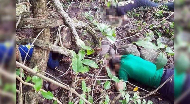 Al llegar se percataron que los tres cadáveres estaban en un vivero de esa comunidad, que se encuentra a un costado de la carretera Cuatro Caminos-Apatzingán