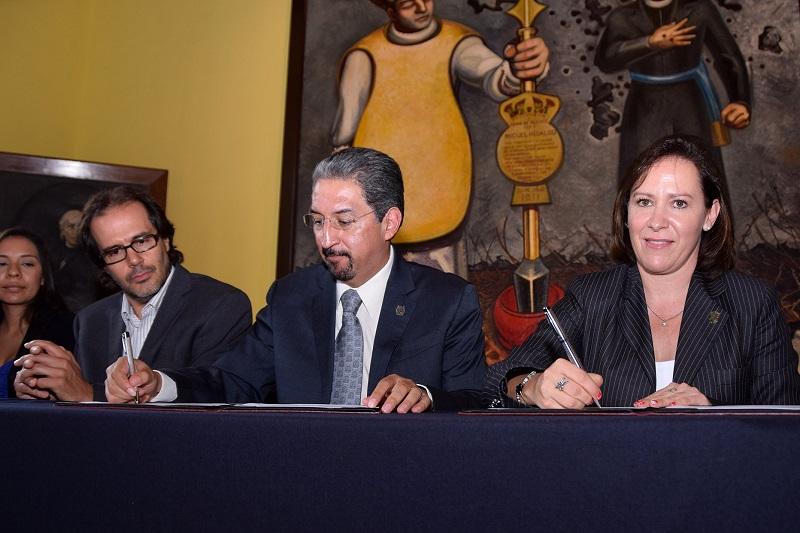 Rocío Beamonte se congratuló y su vez agradeció al rector de la Máxima Casa de Estudios de la entidad, Medardo Serna, la disposición de trabajar de manera coordinada a favor de los sectores desamparados