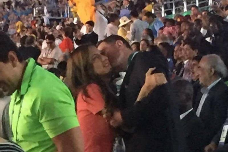 Alfredo Castillo, aseguró a RÉCORD que el hecho de que él vaya acompañado de una persona no afecta a la delegación mexicana olímpica (FOTO: RÉCORD)