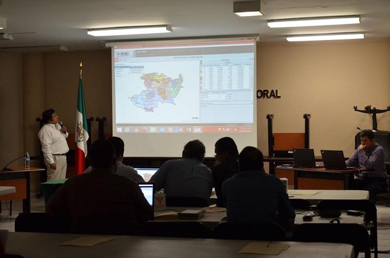 Por su parte, el Vocal del Registro Federal de Electores, Jaime Quintero Gómez señaló que del 15 al 29 de agosto será la entrega de las observaciones por parte del OPLE, CLV, y comunidades indígenas