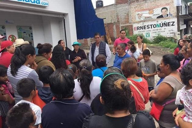 Núñez Aguilar escuchó las principales demandas de los ciudadanos quienes manifestaron su inquietud por reparar la infraestructura destinada para el acondicionamiento físico, deporte, diversión y esparcimiento de los habitantes del lugar