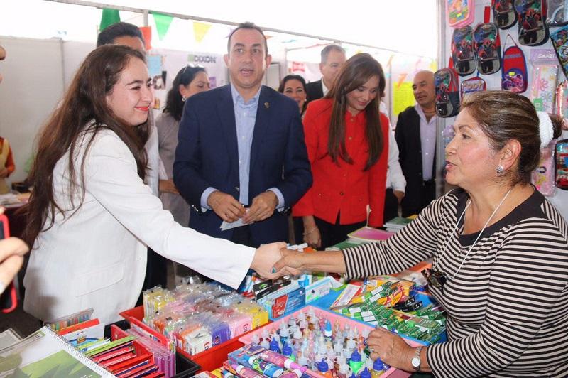La Secretaria de Desarrollo Económico y Emprendedor participó en la inauguración de la Feria del Regreso a Clases 2016