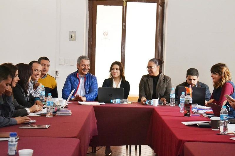 Lo anterior en el marco de la reunión que sostuvieron las comisiones unidas de Gobernación, Puntos Constitucionales y Derechos Humanos, en donde se analizaron las iniciativas de Ley sobre la Regulación de Marchas y Plantones