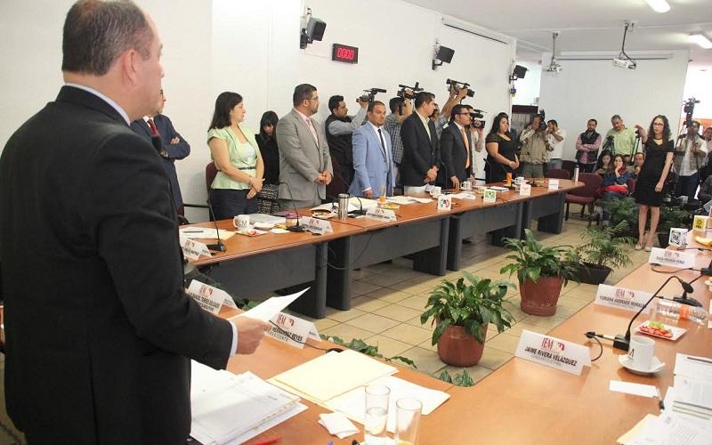 El consejero presidente del IEM, Ramón Hernández, consideró que realizar la consulta representa la maximización de los derechos humanos, además de tratarse de un documento innovador y de suma importancia para las comunidades