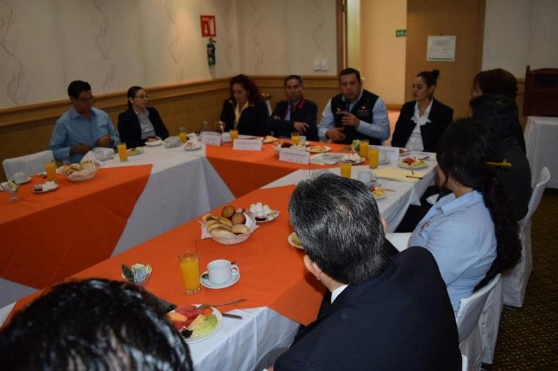 Barragán Vélez explicó que la capacitación que se oferta a través del programa CEFORMA Empresarial se adapta a las necesidades de los empresarios porque se realizan trajes a la medida