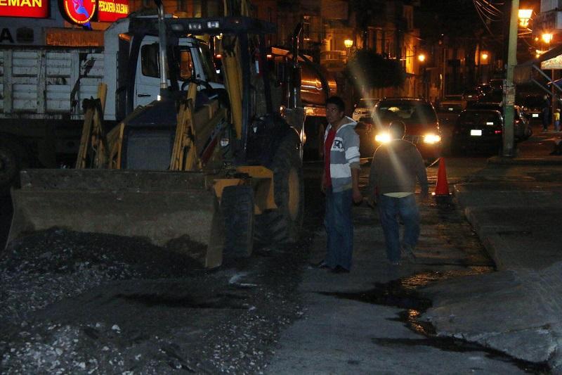 Las brigadas de reencarpetamiento han avanzado en la calle Bucareli por lo que actualmente se encuentran a la altura del Estado Olímpico Venustiano Carranza
