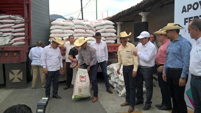 Está en marcha la Segunda Etapa de entrega, ya se han distribuido 5 mil 956 toneladas a 69 municipios; sólo restan 9 mil 833 para cumplir la meta de las 32 mil toneladas