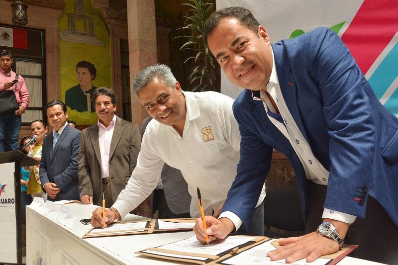 El presidente municipal, Carlos Herrera Tello reconoció el respaldo tanto del Gobernador del Estado, Silvano Aureoles Conejo, como de las autoridades del COBAEM para que esto fuera posible