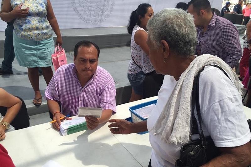 Los dos días que duró la feria organizada por LICONSA, en la Tenencia de Guacamayas y el Puerto de Lázaro Cárdenas, registró una asistencia de más de seis mil personas